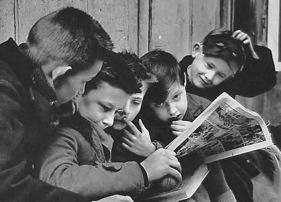 kids reading comis