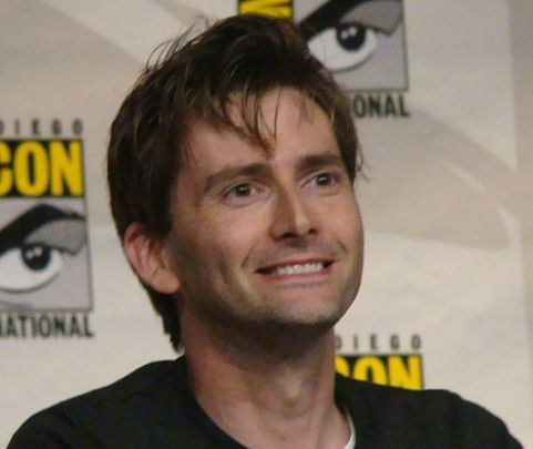 570px-russell_t_davies__david_tennant_3771919985_cropped_to_tennant_shoulders