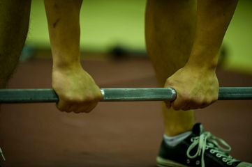 640px-deadlift_grip