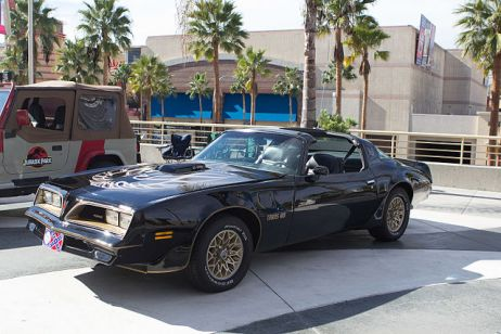 640px-LBCC_2013_-_Smokey_&_The_Bandit_Trans_Am_(11028188806)