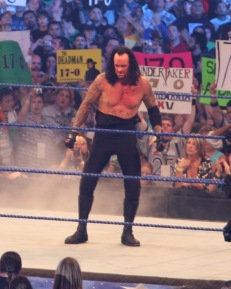 Undertaker_at_Wrestlemania_25_cropped