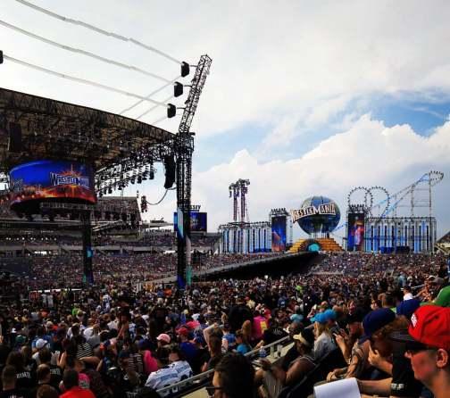WrestleMania_33_(33761042576)