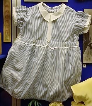 Baby's_romper_suit,_c.1950s
