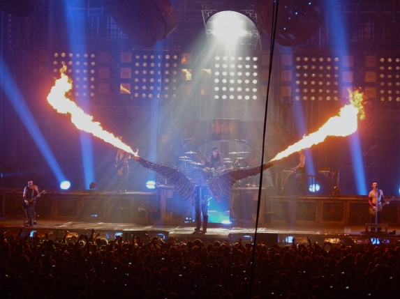 Engel_by_Rammstein,_London_O2,_2012