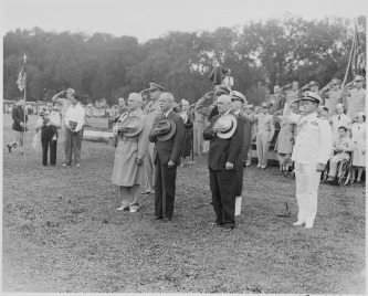 lossy-page1-595px-Photograph_of_President_Truman_and_other_dignitaries_saluting_during_the_President's_review_of_the_442nd_Regimental..._-_NARA_-_199387.tif