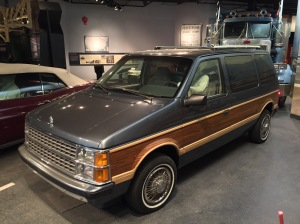 1986_Dodge_Caravan_Smithsonian_National_Museum_of_American_History_4.jpg