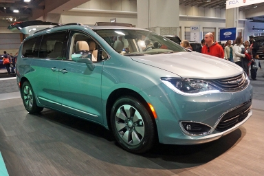 Chrysler Pacifica Hybrid plug-in hybrid