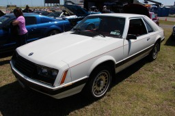 1980_Ford_Mustang_Ghia_Hatchback_(14386562021)