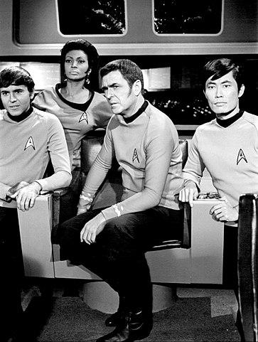 363px-Star_Trek_crew_members