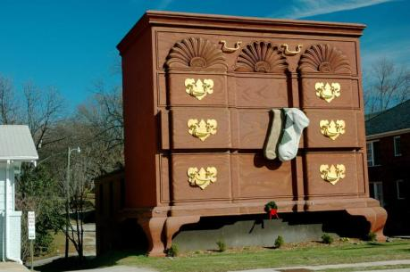 worlds largest chest of drawers